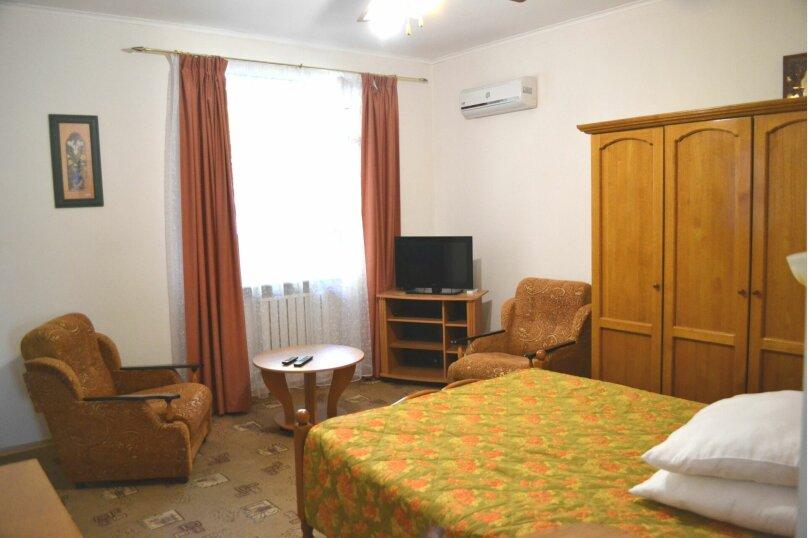 Отдельная комната, Красногвардейская улица, 29, Геленджик - Фотография 1