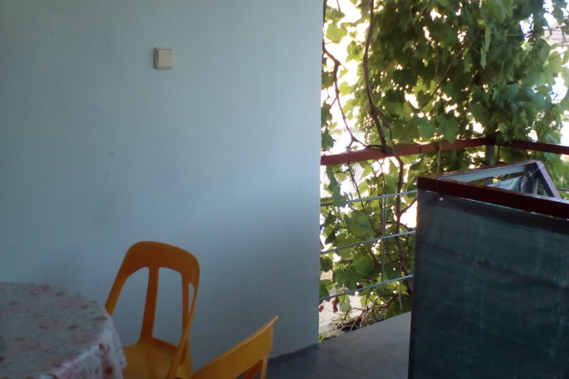 Гостевой дом Людмила, улица Горького, 37 на 9 комнат - Фотография 46