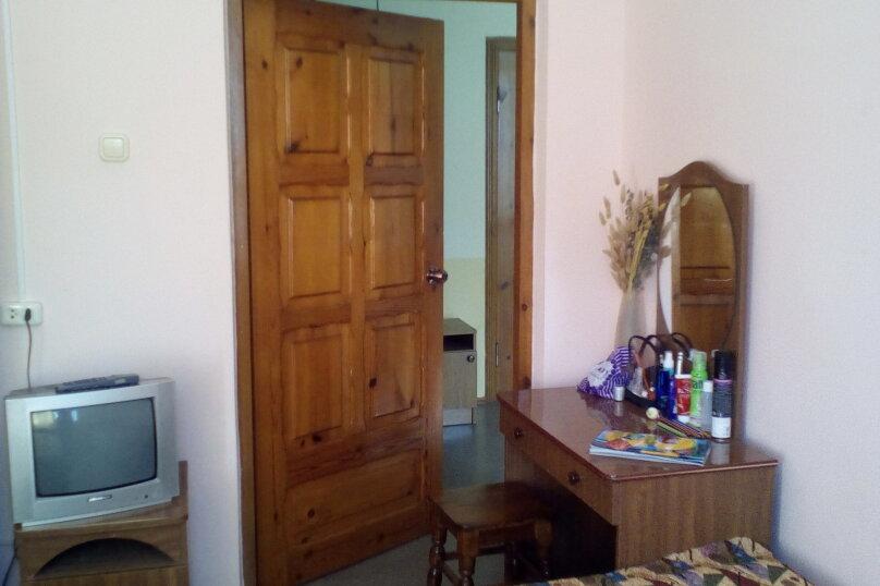 Гостевой дом Людмила, улица Горького, 37 на 9 комнат - Фотография 22