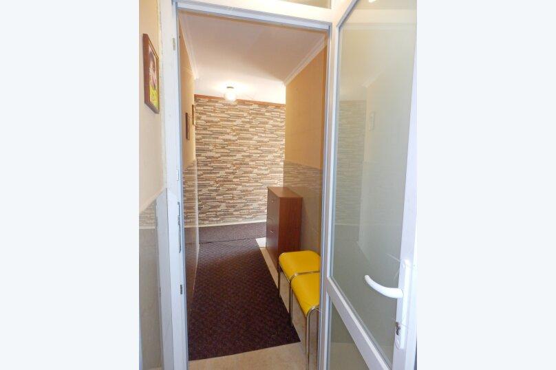 """Гостевой дом """"Крокус"""", Парковый спуск, 32б на 3 комнаты - Фотография 11"""