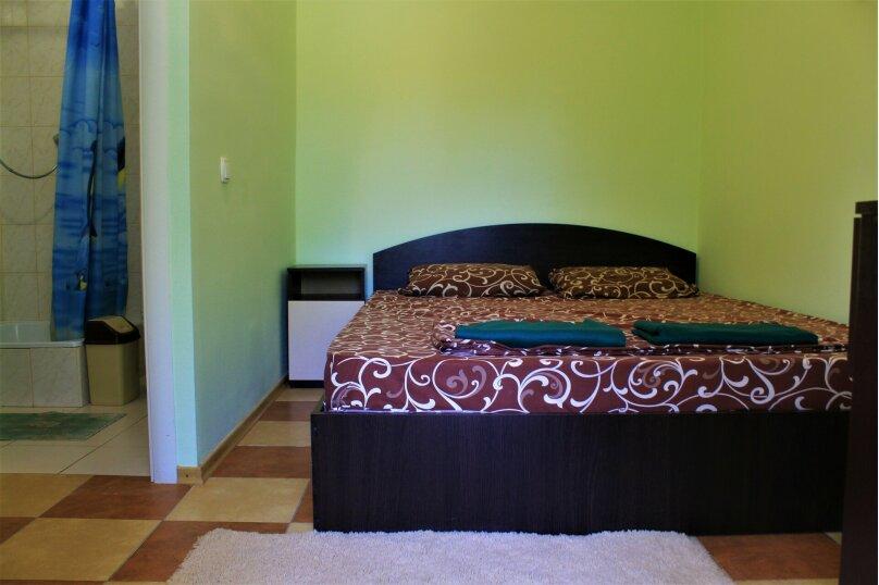 Двухместные номера с удобствами, Заречная улица, 26, Солнечногорское - Фотография 1