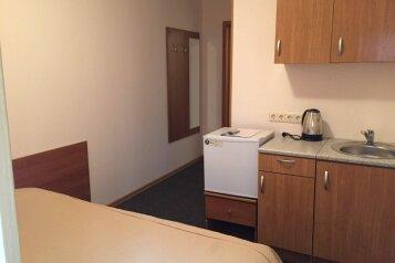 Апартаменты с кухней и удобствами, 7-я Красноармейская улица на 8 номеров - Фотография 1