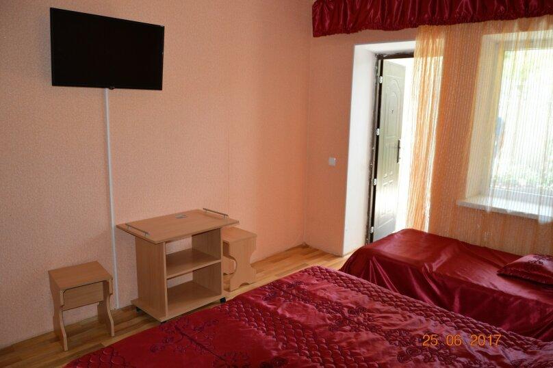 """Гостевой дом """"На Калинина 32"""", улица Калинина, 32 на 8 комнат - Фотография 34"""