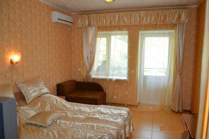 """Гостевой дом """"На Калинина 32"""", улица Калинина, 32 на 8 комнат - Фотография 42"""