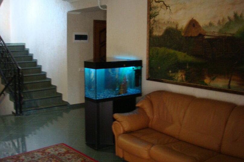 Гостевой дом Капитан+, Новороссийская, 13 на 8 комнат - Фотография 1