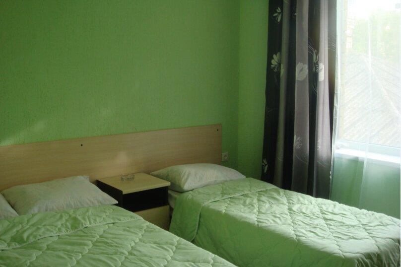 Гостевой дом Капитан+, Новороссийская, 13 на 8 комнат - Фотография 35