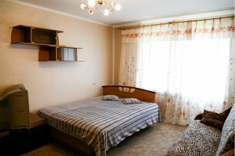 1-комн. квартира, 38 кв.м. на 5 человек, улица Коста Хетагурова, 26, Ставрополь - Фотография 1