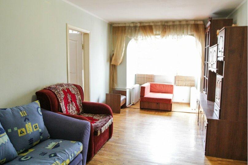 2-комн. квартира, 60 кв.м. на 7 человек, улица Ленина, 328/25, Ставрополь - Фотография 2