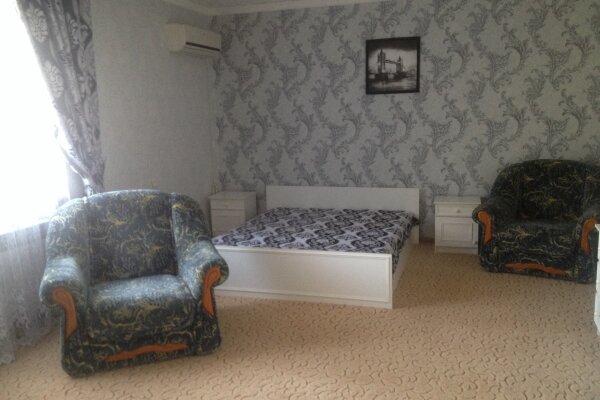 Гостевой дом, Мельников, 20 на 18 номеров - Фотография 1