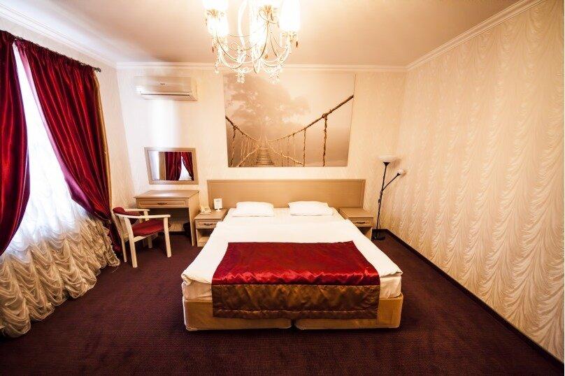 """Мини-отель """"El' Greco"""", улица Бабушкина, 156 на 17 номеров - Фотография 1"""