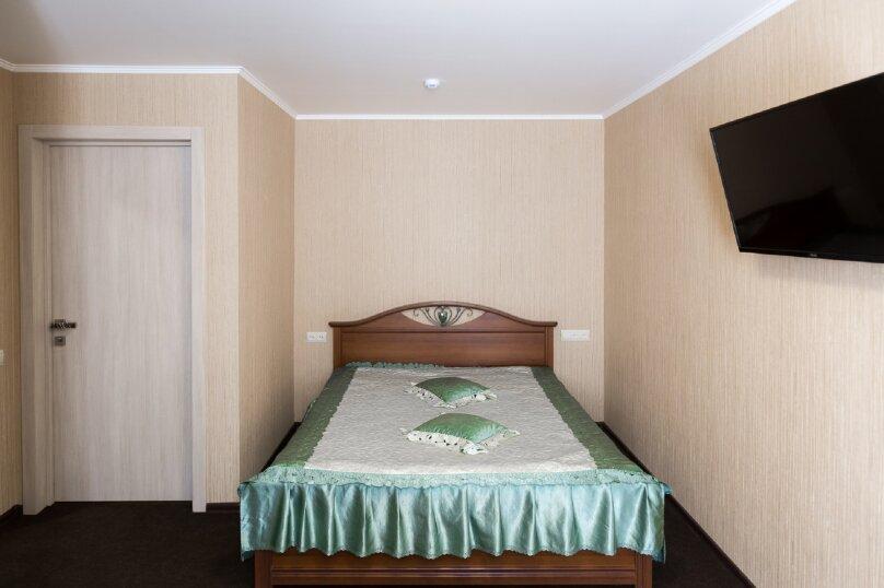 Стандартный номер с двуспальной кроватью , улица Громовой, 39, Тольятти - Фотография 1