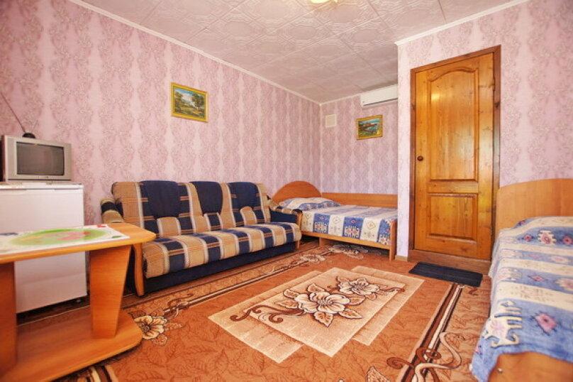 """Гостевой дом """"Кубаночка"""", Кубанская, 3 на 16 комнат - Фотография 8"""