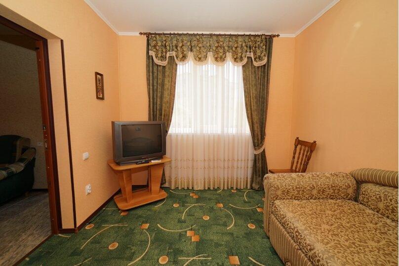 """Гостевой дом """"Кубаночка"""", Кубанская, 3 на 16 комнат - Фотография 11"""