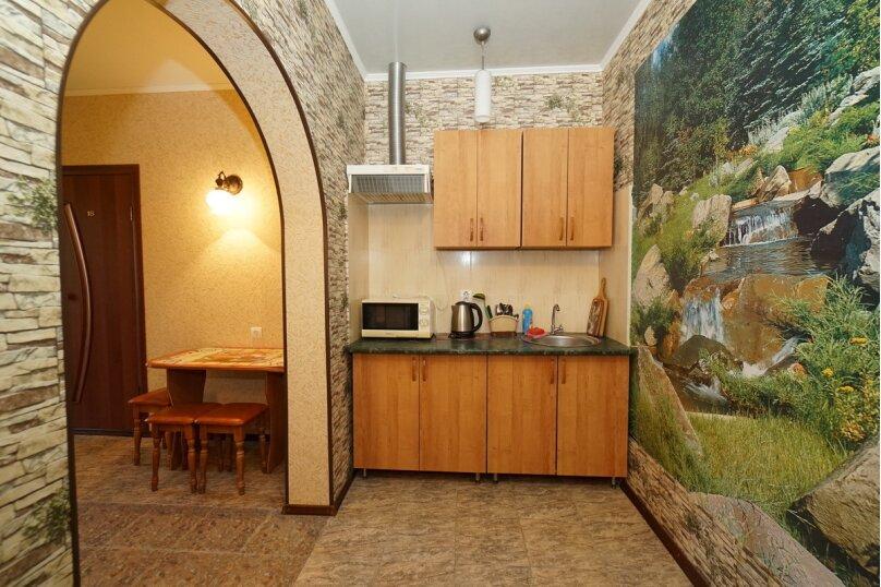 """Гостевой дом """"Кубаночка"""", Кубанская, 3 на 16 комнат - Фотография 12"""