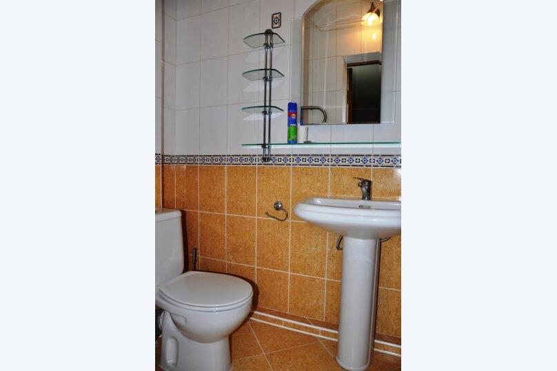 Апартаменты 90 кв. м. 3-х комнатные, 90 кв.м. на 8 человек, 3 спальни, 2-й Черноморский переулок, 10, Витязево - Фотография 4