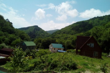 Гостевой дом , Правая щель , участок 65 на 3 номера - Фотография 2