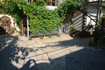 Коттедж из двух номеров для Вас одних на 7 человек, 2 спальни, улица Гагарина, район горы Фирейная , Судак - Фотография 3