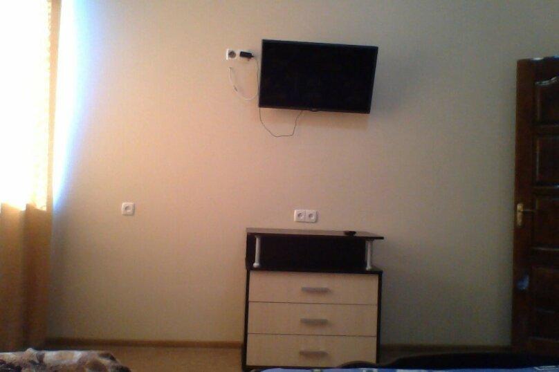 Частный дом 2x комнатный, 45 кв.м. на 4 человека, 2 спальни, Сурожская улица, 13, Судак - Фотография 15