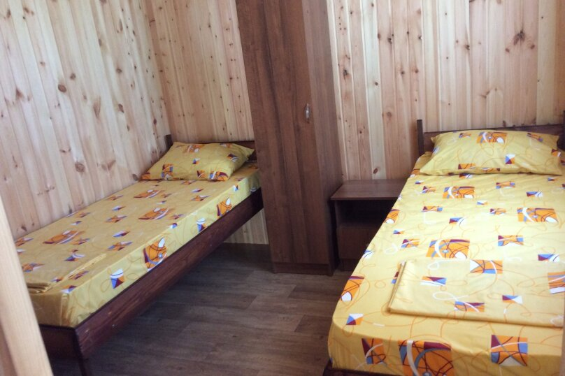 Стандарт двухместный с раздельными кроватями , улица Победы, 344, Лазаревское - Фотография 1