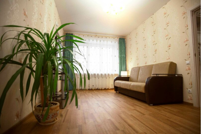 2-комн. квартира, 45 кв.м. на 4 человека, улица Пушкина, 12, Ярославль - Фотография 1