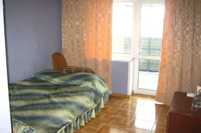Комфорт Семейный с двумя двуспальными кроватями, Новороссийская улица, 7, Барнаул - Фотография 4
