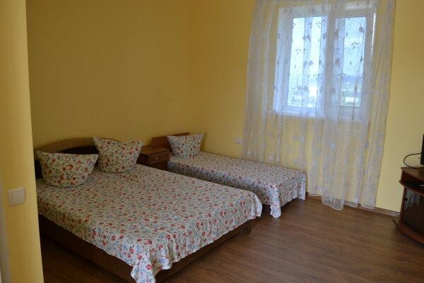 Гостиный двор, Можжевеловая, 4 на 6 номеров - Фотография 1