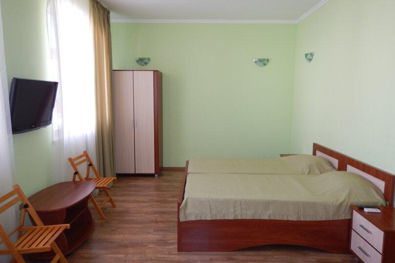 Green (зелёный), улица Ефремова, 23Б, Севастополь - Фотография 1