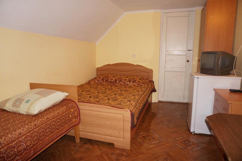 """Гостевой дом """"Приморский"""", улица Бусина, 2 на 12 комнат - Фотография 15"""