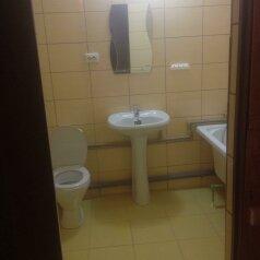 2:  Номер, Стандарт, 3-местный, 1-комнатный, Гостиница, Таврическая улица, 35 на 8 номеров - Фотография 3