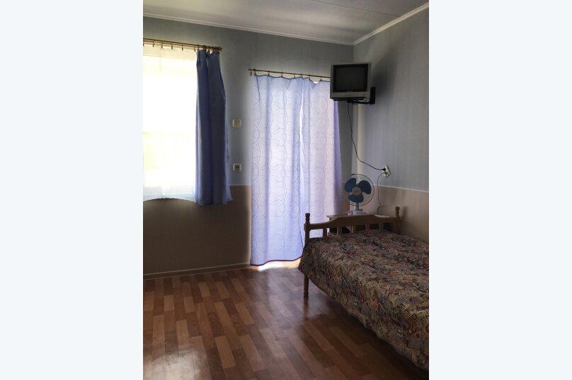 № 4 эконом 3-х местный с доп местом 2 этаж, Новороссийская, 61, Анапа - Фотография 3
