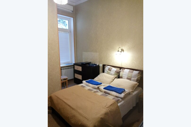 1-комн. квартира, 30 кв.м. на 3 человека, улица Тольятти , 2, Ялта - Фотография 1