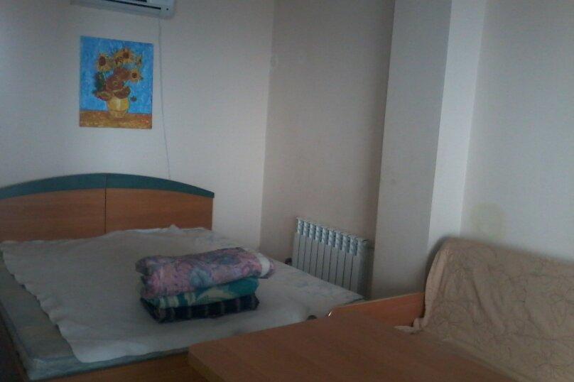 Номер на 4 х  с кухней , Данченко , 12, Ялта - Фотография 1