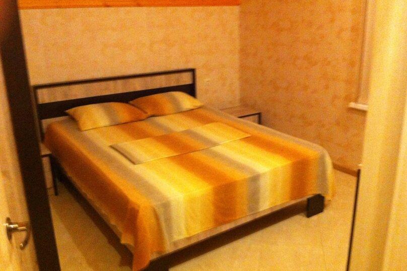 Отдельная комната, улица Калинина, 26, Адлер - Фотография 1