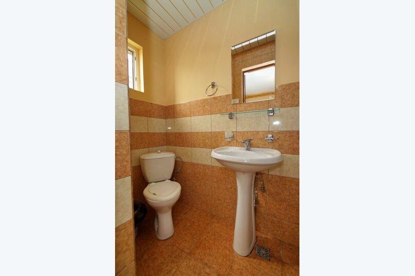 """Гостевой дом """"Виктория"""", Белый переулок, 1 на 18 комнат - Фотография 47"""