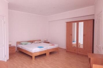 """Одноэтажный коттедж (2 спальни-номера со всеми удобствами и кухней, сдаются как вместе, так и по отдельности), 64 кв.м. на 6 человек, 1 спальня, СОТ """"Капсель"""", 94а, Судак - Фотография 3"""