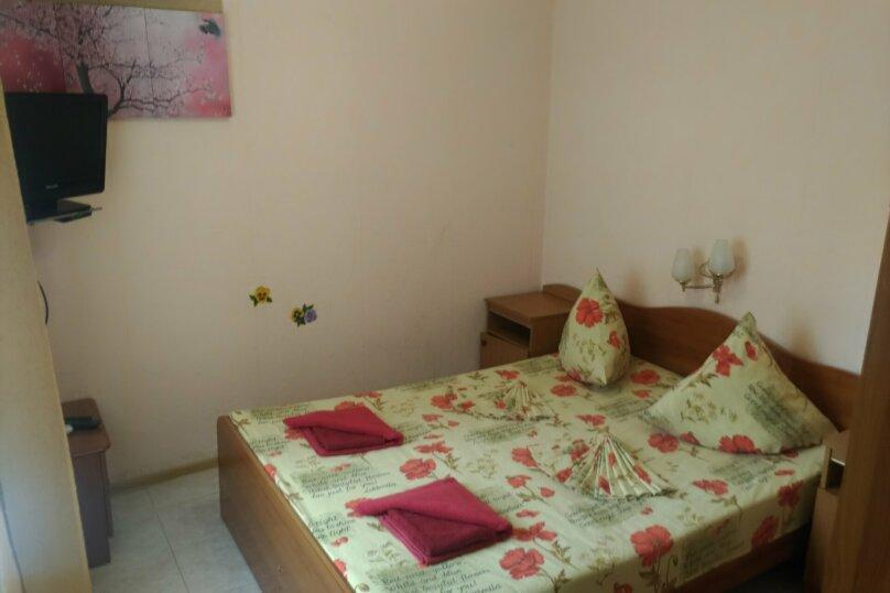Двухместный номер с 1 двуспальной кроватью и балконом, Благовещенский переулок, 11, Витязево - Фотография 1