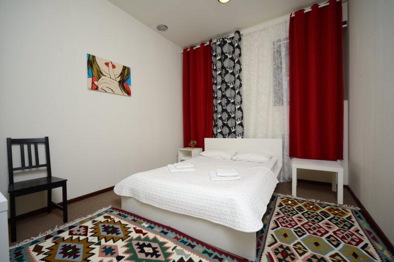 Двухместный номер эконом-класса с 1 кроватью, улица Петровка, 17с5, Москва - Фотография 1