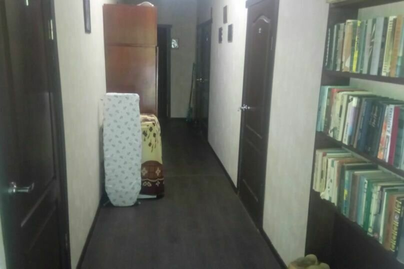 "Гостиница ""На Черноморье 109"", Черноморье, 109 на 4 комнаты - Фотография 13"
