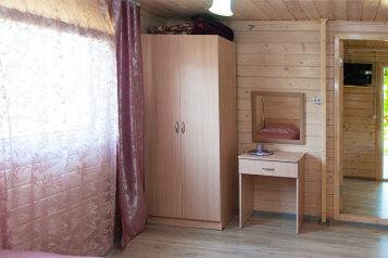 Деревянный коттедж №3, 37 кв.м. на 5 человек, 2 спальни, Приморская улица, Благовещенская - Фотография 2