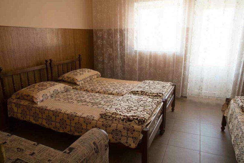 4-х местный с ванной комнатой (1 комнатный), Залесная улица, 7, Новофёдоровка, Саки - Фотография 2
