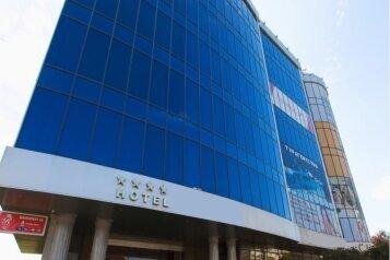 Отель , улица Красных Партизан, 238 на 39 номеров - Фотография 1