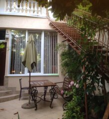 Гостевой дом с  двориком - студия № 1, 22 кв.м. на 3 человека, 1 спальня, Поликуровская, 5, Ялта - Фотография 3