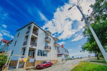 Гостевой дом на берегу Черного моря, Крутой проезд на 22 номера - Фотография 1