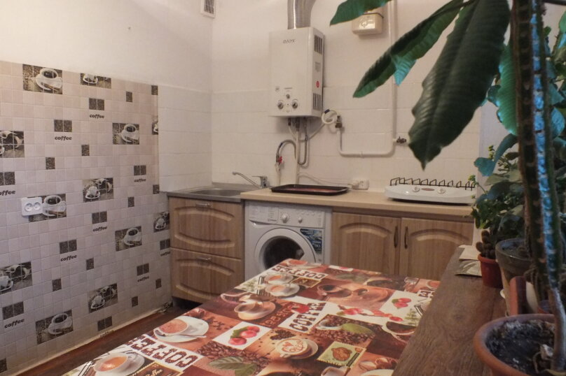 1-комн. квартира, 56 кв.м. на 4 человека, улица Нахимова, 4, поселок Орджоникидзе, Феодосия - Фотография 5