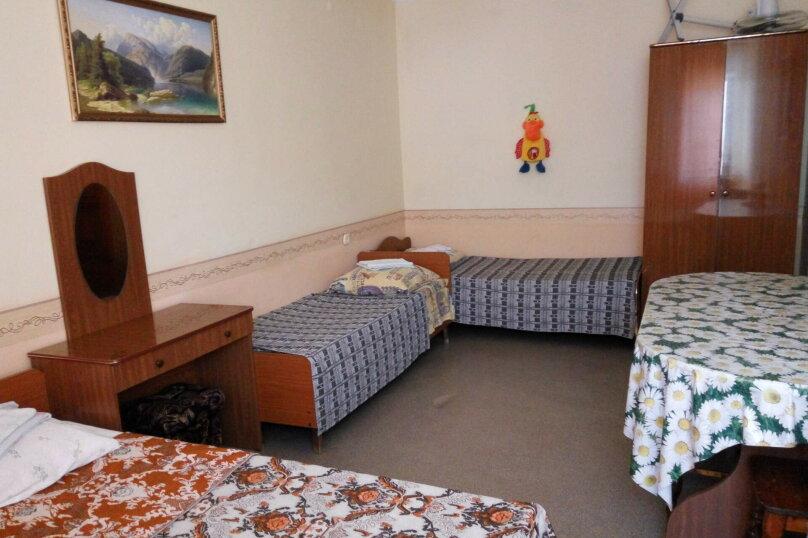 Гостевой дом Людмила, улица Горького, 37 на 9 комнат - Фотография 27