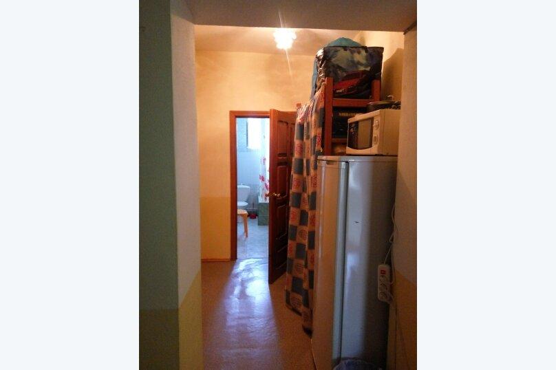 Гостевой дом Людмила, улица Горького, 37 на 9 комнат - Фотография 29