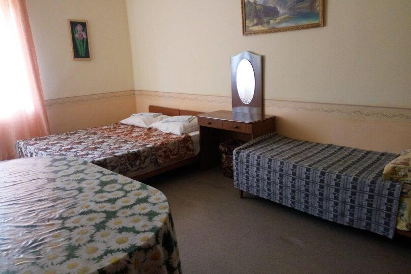Гостевой дом Людмила, улица Горького, 37 на 9 комнат - Фотография 31