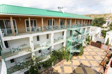 Гостиница, улица Ешиль-Ада на 12 номеров - Фотография 1