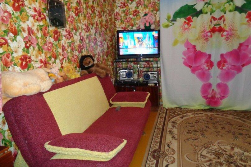 3-комн. квартира, 62 кв.м. на 8 человек, Севастопольская улица, 14, Саки - Фотография 1