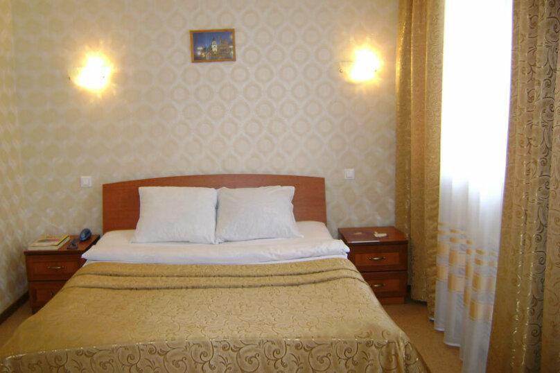 Номер 1 категории с двуспальной кроватью, Молодёжный проспект, 6, Нижний Новгород - Фотография 3